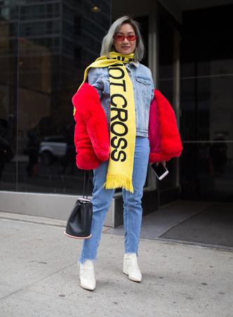 Что носят на Неделе моды в Нью-Йорке: 12 стритстайл-трендов (фото 25.1)