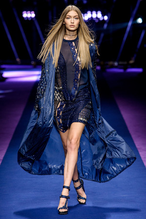 Versace | Подиум на ELLE - Подиум - фото 4685