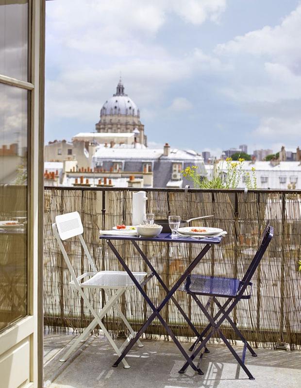 Лето в городе: 15 идей для уютного балкона (фото 16)