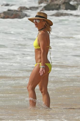 Бритни Спирс показала обручальное кольцо (фото 2)