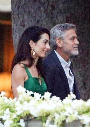 Джордж и Амаль Клуни на романтическом ужине на берегу озера Комо (фото 0.2)