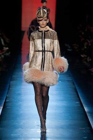 Показ Jean Paul Gaultier коллекции сезона Осень-зима 2013-2014 года Haute couture - www.elle.ru - Подиум - фото 556237