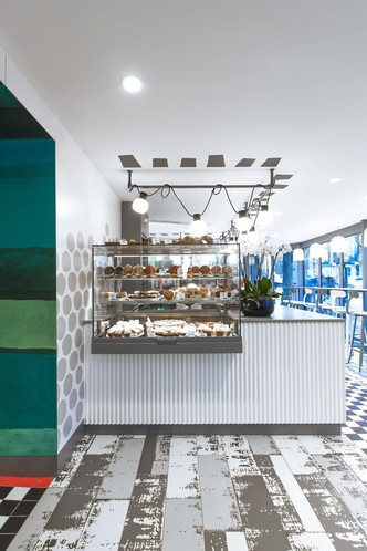 В Париже открылся McDonald's по дизайну Паолы Навоне (фото 4.2)