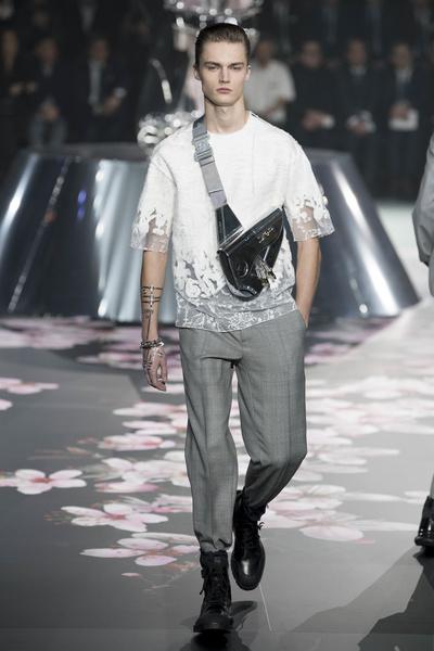 Как прошел первый мужской показ Dior в Японии (галерея 3, фото 0)