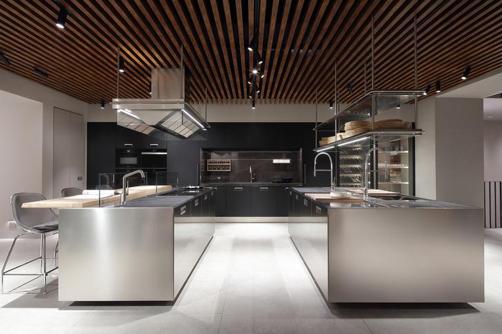 Шоу-рум кухонь Arclinea по проекту Антонио Читтерио (фото 11)