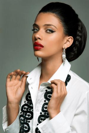 Как сделать глаза визуально больше при помощи макияжа (фото 2)
