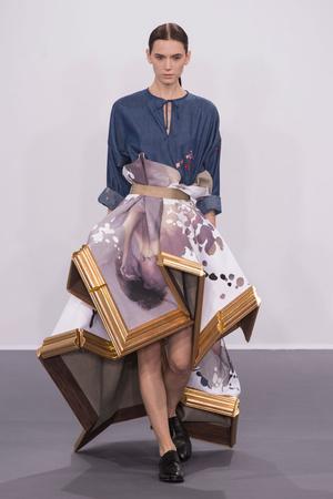 Показ Viktor & Rolf коллекции сезона Осень-зима 2015-2016 года Haute couture - www.elle.ru - Подиум - фото 597329