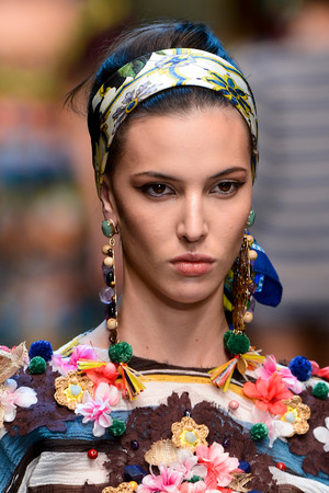 Показ Dolce & Gabbana коллекции сезона Весна-лето 2013 года prêt-à-porter - www.elle.ru - Подиум - фото 446715