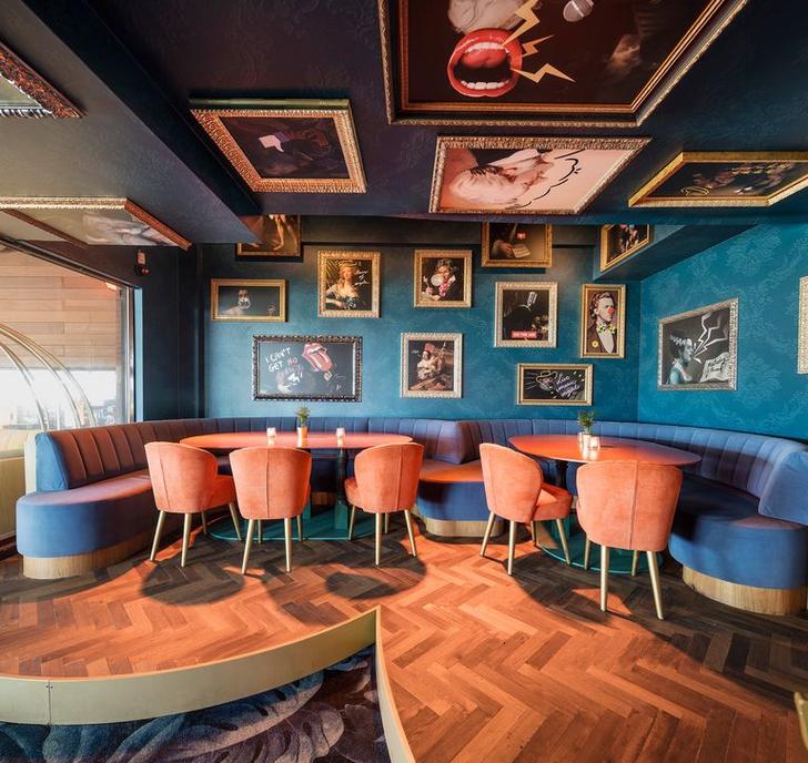 «Безумный» бар Crazy Pianos в Гааге (фото 10)