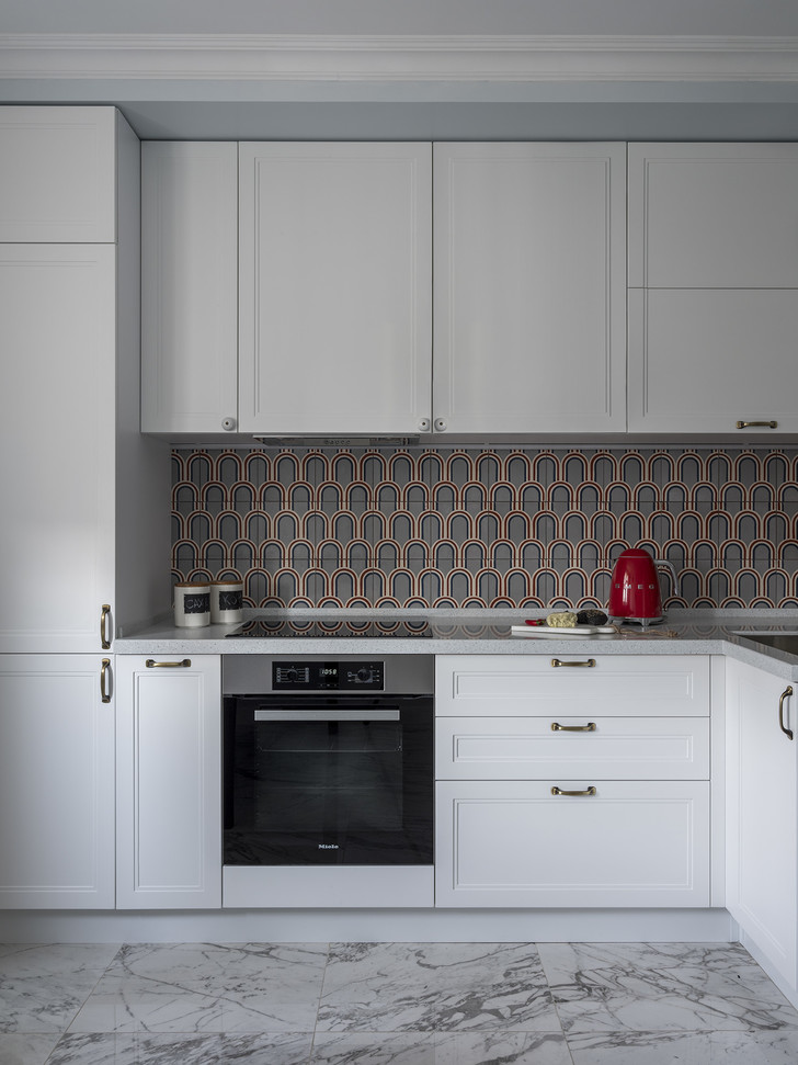 Дитя заката: фламинго и другие яркие  решения в типовой квартире 55 м² (фото 3)