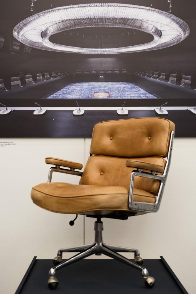 Выставка «Стулья власти» в Музее дизайна Vitra (фото 3)