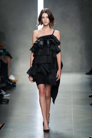 Показы мод Bottega Veneta Весна-лето 2014 | Подиум на ELLE - Подиум - фото 3621