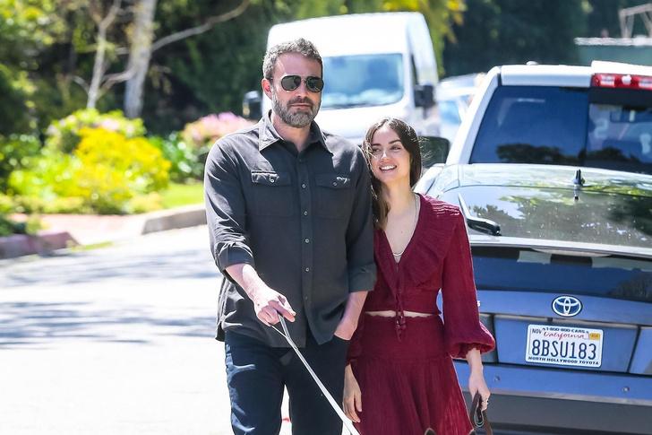 Новый день — новые трогательные фото: влюбленные Бен Аффлек и Ана де Армас на прогулке (фото 1)