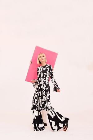 Как носить вещи из подиумной коллекции H&M Studio SS18? (фото 9)
