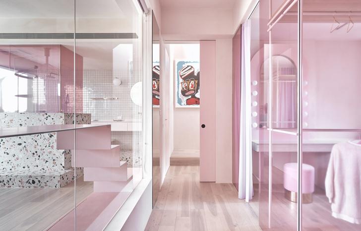 Розовый дом с комнатой для кошек на Тайване (фото 10)