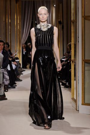 Показ Giambattista Valli коллекции сезона Весна-лето 2012 года Haute couture - www.elle.ru - Подиум - фото 330858