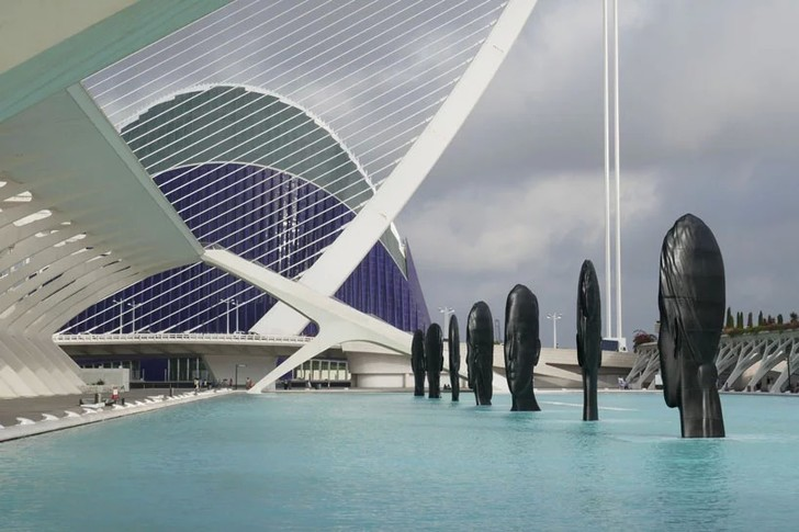 Инсталляция Жауме Пленсы в Валенсии (фото 3)
