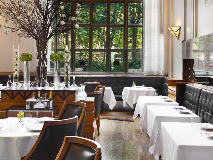 Нью-йорский ресторан Eleven Madison Park занимает первую строчку рейтнига.