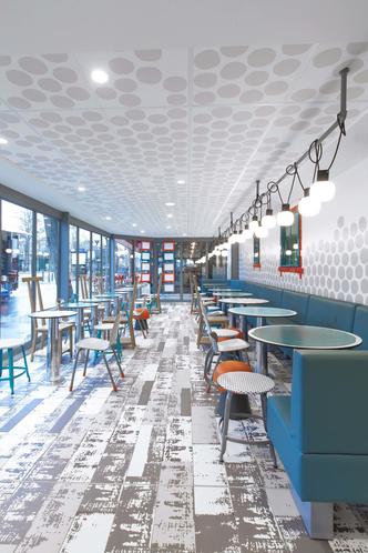 В Париже открылся McDonald's по дизайну Паолы Навоне (фото 9.1)