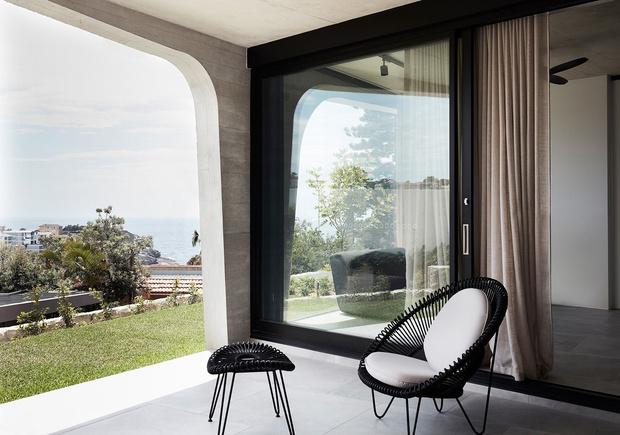 Дом из бетона и стали на побережье Австралии (фото 1)