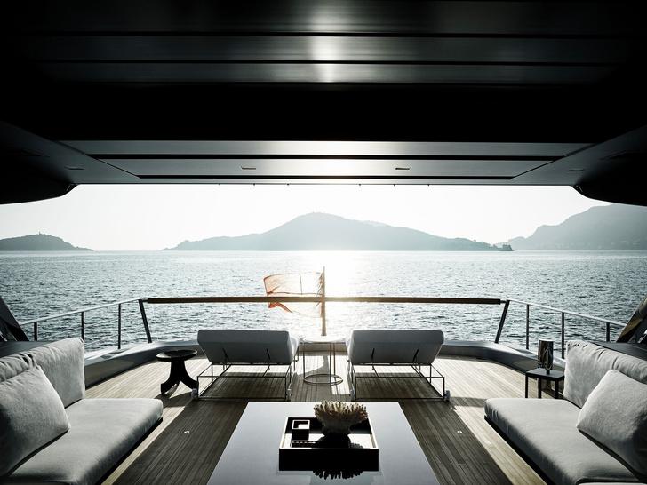 Лофт с видом на море: новая яхта по дизайну Пьеро Лиссони (фото 0)