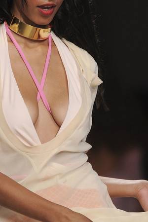 Показ Frankie Morello коллекции сезона Весна-лето 2011 года prêt-à-porter - www.elle.ru - Подиум - фото 182212