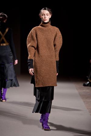 Показы мод Aganovich Осень-зима 2013-2014 | Подиум на ELLE - Подиум - фото 664