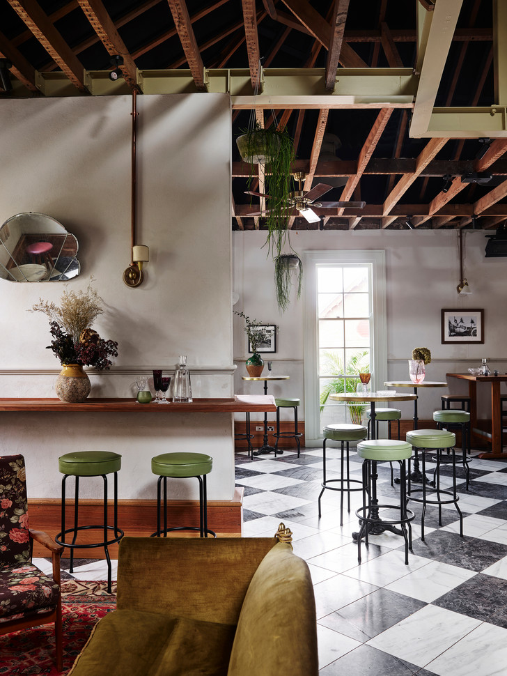 Tilly May's: бар по дизайну Alexander & Co в Сиднее (фото 10)