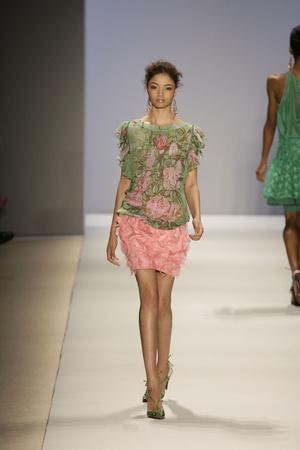 Показы мод Tracy Reese Весна-лето 2009 | Подиум на ELLE - Подиум - фото 3428