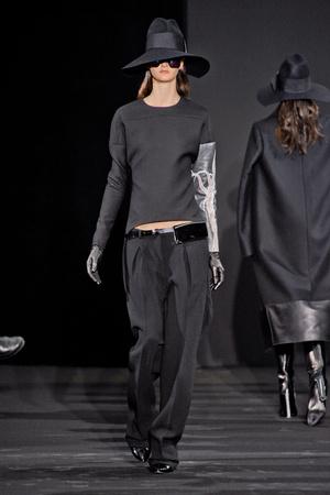 Показ Costume National коллекции сезона Осень-зима 2012-2013 года prêt-à-porter - www.elle.ru - Подиум - фото 380886