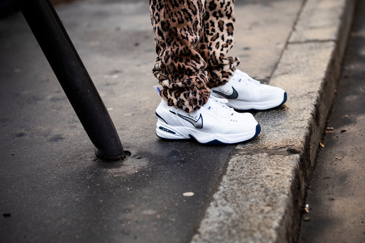 Как ухаживать за белыми кроссовками зимой? (фото 9)