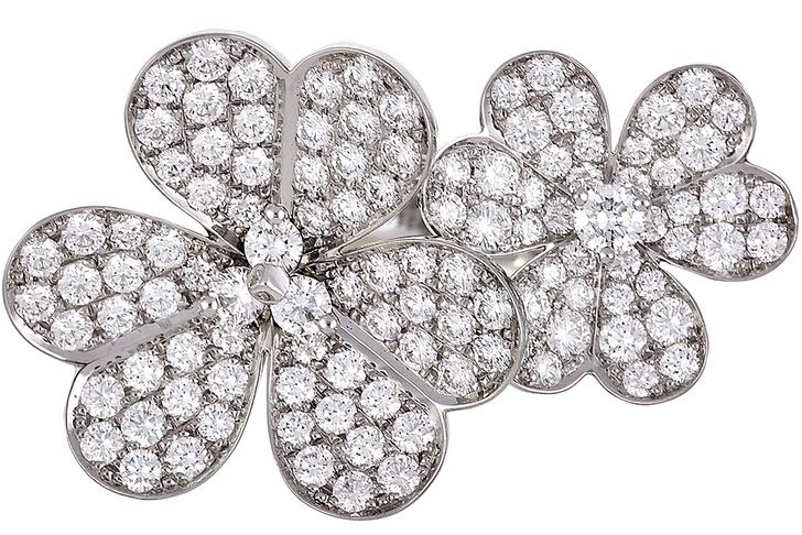 Кольцо Frivole, белое золото, бриллианты, Van Cleef & Arpels, 880 000 руб.