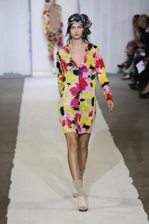Показы мод Marni Весна-лето 2010 | Подиум на ELLE - Подиум - фото 2972
