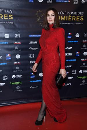 Роскошная Моника Беллуччи на премии «Люмьер» в Париже (фото 1)
