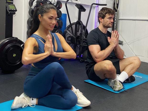 Парные тренировки: 4 идеи занятий для вас и вашего партнера по самоизоляции (фото 1)