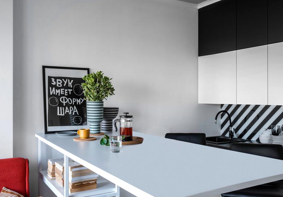Черно-белая полоска: 10 примеров (галерея 0, фото 1)