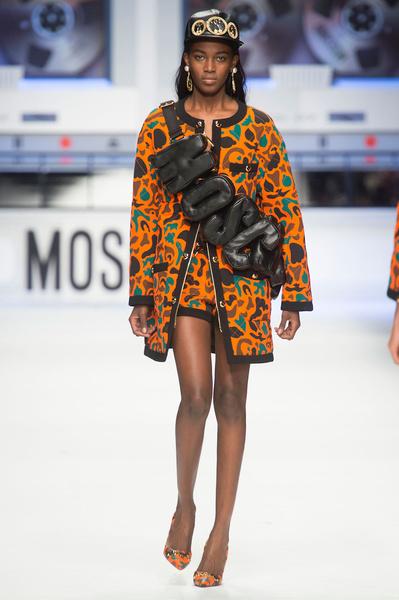 Показ Moschino на Неделе моды в Милане | галерея [4] фото [1]