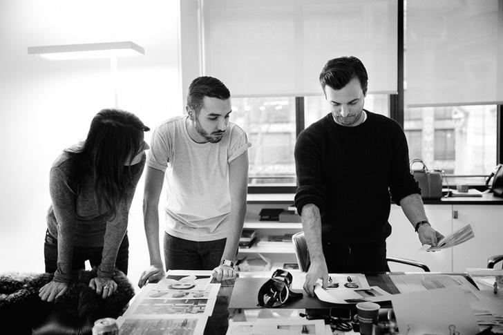 Николя Жескьер с коллегами в ателье Louis Vuitton