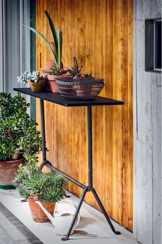 Компактная мебель и аксессуары для небольшого балкона (фото 6)