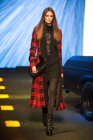 Показы мод Philipp Plein Осень-зима 2014-2015 | Подиум на ELLE - Подиум - фото 3939