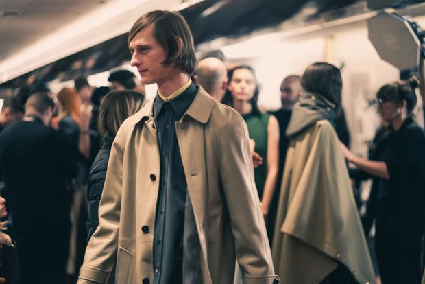 Самые красивые модели на бэкстейдже в Милане (фото 50)
