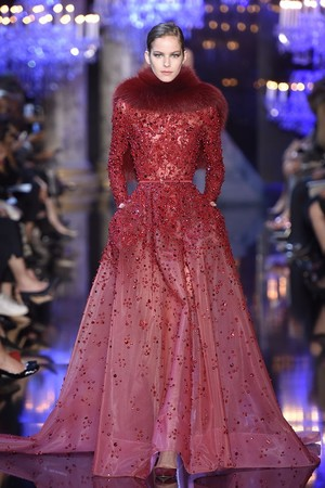 Показы мод Elie Saab Осень-зима 2014-2015 | Подиум на ELLE - Подиум - фото 4046