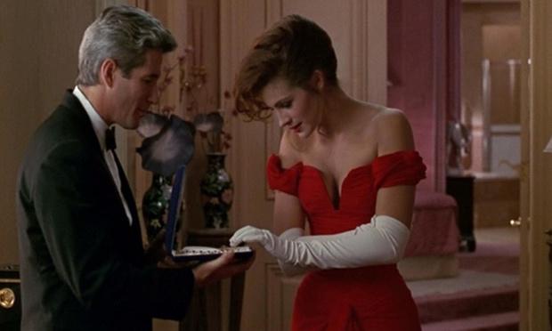История одного платья: красный наряд Джулии Робертс из «Красотки» (фото 1)
