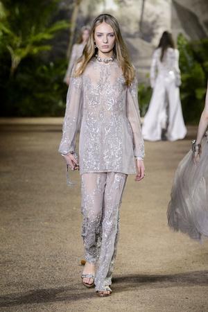 Показ Elie Saab коллекции сезона Весна-лето  2016 года Haute couture - www.elle.ru - Подиум - фото 602894