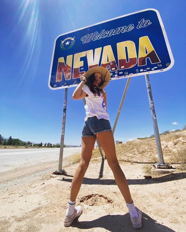 Добро пожаловать в город N: Нина Добрев научит путешествовать, не нарушая карантин (фото 1)