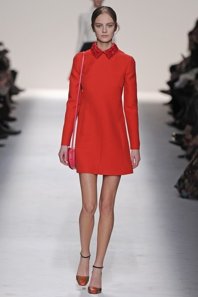 15 лучших красных платьев из осенне-зимних коллекций | галерея [3] фото [2]