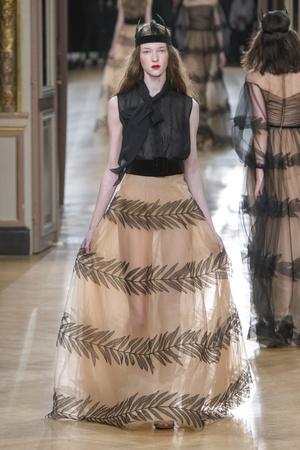 Показ Yanina Couture коллекции сезона Весна-лето 2018 года Haute couture - www.elle.ru - Подиум - фото 674381