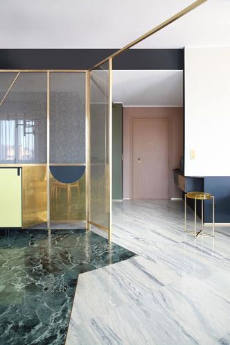 Переливы мрамора: необычный интерьер миланской квартиры (фото 6.2)