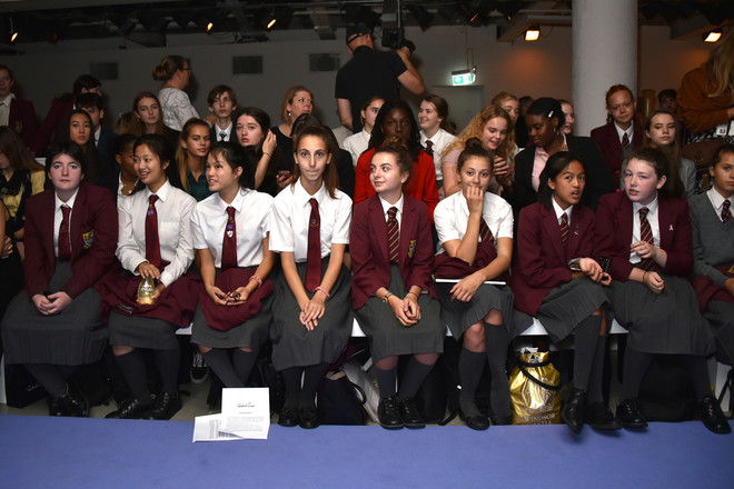 Фонд Burberry исследует, как искусство влияет на молодое поколение (фото 3)