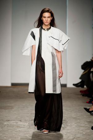 Показ Vionnet коллекции сезона Весна-лето 2014 года Haute couture - www.elle.ru - Подиум - фото 575050